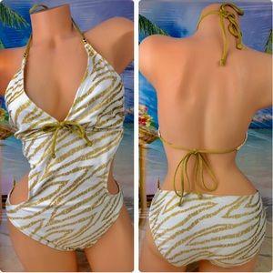 ! Xhilararion one-piece swim swimsuit